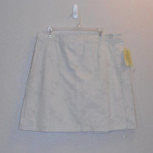 Classic Elements golf skort with embroidery decor